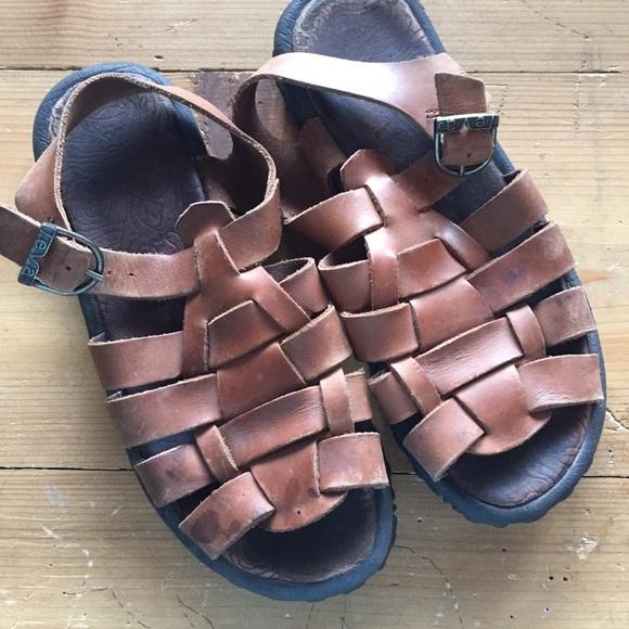 918b474e3330f Vintage leather Teva sandals